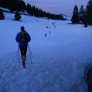 Annecîmes, Maxirace : montée du Semnoz, arrivée à la station de ski - AU BOUT DES PIEDS