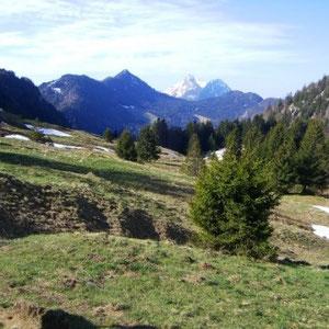 Annecîmes, Maxirace : montée au col de la Frasse - AU BOUT DES PIEDS