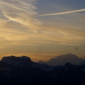 Annecîmes, Maxirace : Tournette (G), Mont Blanc (D) - AU BOUT DES PIEDS