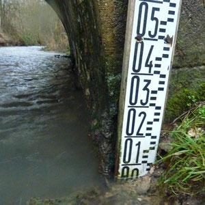 échelle au pont de Chatillon-sur-Morin - AU BOUT DES PIEDS