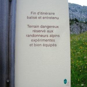 Arcalod (Bauges, 73) : en bas de la dalle est - AU BOUT DES PIEDS