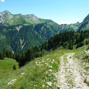 Chaurionde (Bauges, 73) : vue sur le parcours réalisé - AU BOUT DES PIEDS