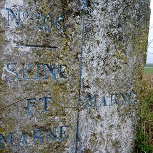 borne entre Marne et Seine et Marne - AU BOUT DES PIEDS