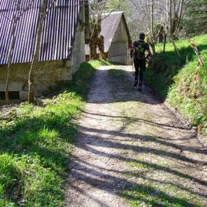 Annecîmes, Maxirace : en descendant sur la Thuile - AU BOUT DES PIEDS