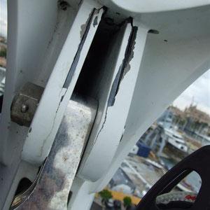 efectos de la corriente del rayo en un mastil de aluminio