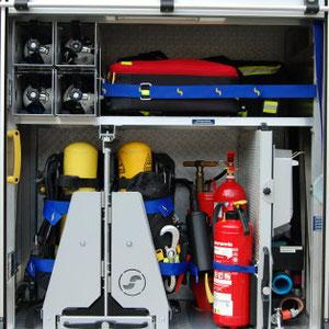 4 x PA Reserveflasche 1 x Rettungsrucksack 1 x Sicherungstrupptasche 2 x Preßluftatmer 1 x Defibrilator