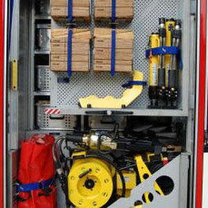 4 x Unterbaublock 2 x Rettungszylinder 1 x Schwelleraufsatz 1 x Schutzdeckenset 1 x Hydraulisches Rettungsgerät