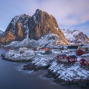 """Hamnoy"" 