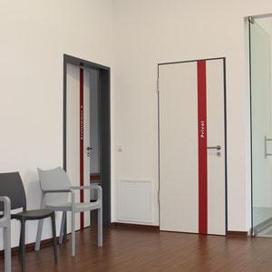 Innenraum Beschilderung an den Türen