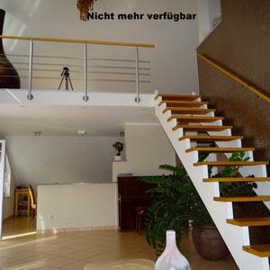 Lichtdurchflutete, großzügige Galerie-ETW in Hainburg.