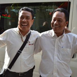 Unser guide Huu mit Fahrer