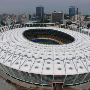 Blick von 103 Meter über das NSK Olimpijskyj  Stadion auf Kiev