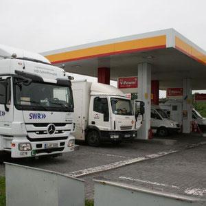 Tankstop auf dem Weg Richtung Kiev