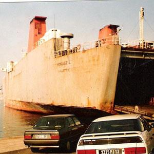 mit solchen Schiffen sind wir damals regelmäßig gefahren