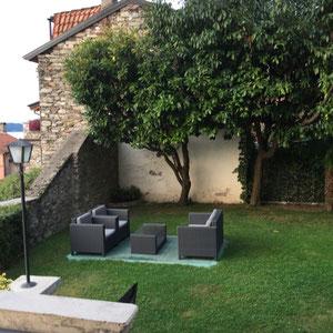 in Robertos Garden