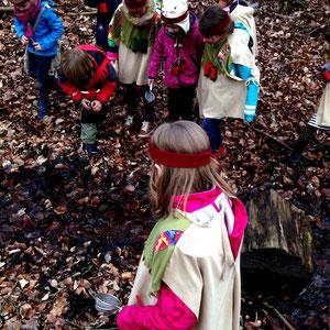 Goldsuche beim Indianergeburtstag im Schwerter Wald