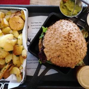 glutenfreier Burger im Wirtshaus im Tutzinger Hof, Starnberg, Starnberger See, Bayern