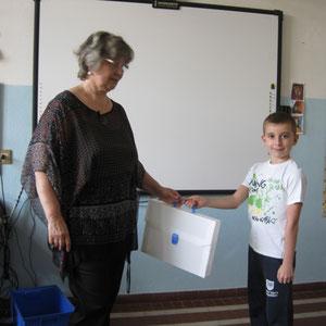 Consegna della valigetta ad Andrei