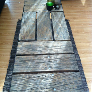Tisch mit alter Eiche CHF 750.00
