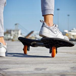 Skate sur la piste cylcable à Gastes