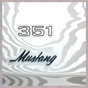 · motiv-untersetzer · set 10.5 · berlin_351_mustang · 2011-08-04-113 · yak © 2011 RK