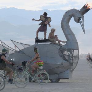 Burning Man, das exzentrische und weltweit einzigartige Kultfestival der Hippies und Freaks