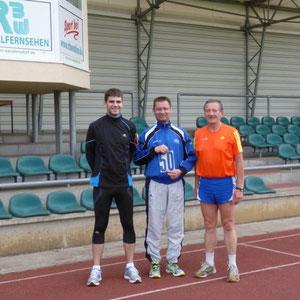 Unsere 5000m-Läufer: Florian - Sebastian - Georg