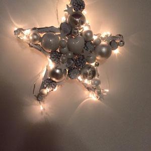 Leuchtstern in weiß-silber