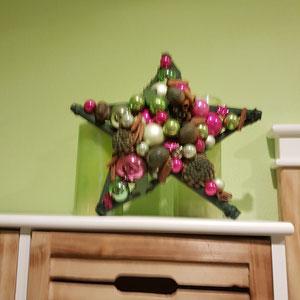 Stern nach Kundenwunsch angefertigt, passend zur Wandfarbe