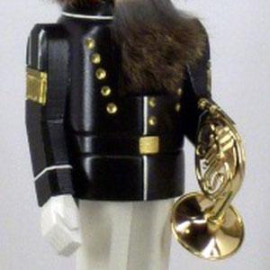 "Nussknacker mit unserem Mini-Musikinstrument ""Horn"""