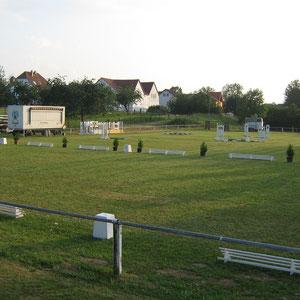 Turnierplatz 45 x 65 m