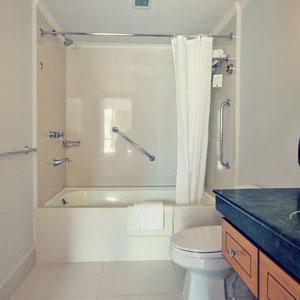 Bathroom with bathtub at The Linden Suites, Manila, Philippines © Sabrina Iovino   JustOneWayTicket.com