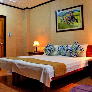 My room at Hayahay Resort, lovely decorated. Panglao, Bohol, Philippines 2013 © Sabrina Iovino | JustOneWayTicket.com