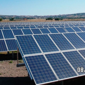 alkaSOL / EST project: alka-park 8 - PV array with Sanyo poly modules & Power One inverters in Atella, Italy