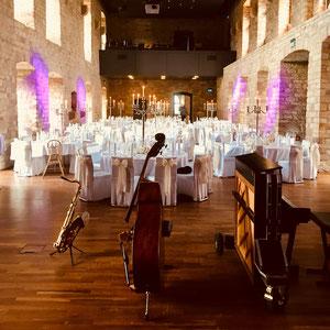 Stilvolle Dinnermusik zur Hochzeit im Hambacher Schloss