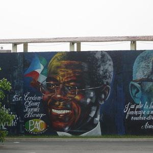 赤道ギニア|ンゲマ大統領の壁画