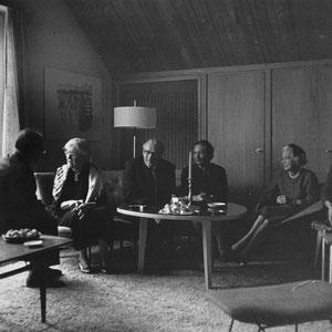 1965 sah Walter Furrer im Haus von Willy Gohl seine verehrte Lehrerin Nadia Boulanger (Zweite von links) wieder