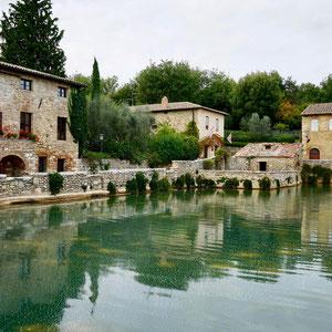 Historisches Thermalbecken in Bagno Vignoni