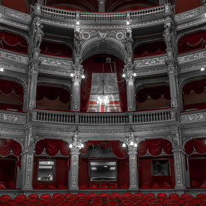 Die Staatsoper in Budapest ohne den Glanz des Goldes