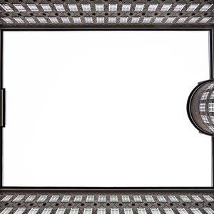 Perfekte Symmetrie im Sprinkenhof in Hamburg