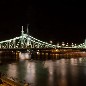 Die Freiheitsbrücke über die Donau in Budapest, Ungarn, aus dem späten 19. Jahrhundert