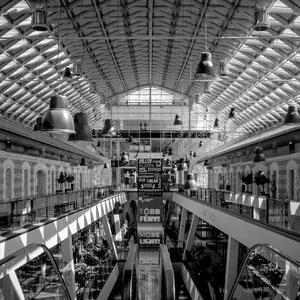 Der Bálna in Budapest bietet eine wunderbare Symmetrie