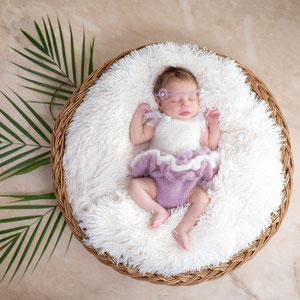 Strickkleidchen Babyfotos