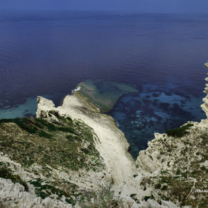 Cliffs kiss the sea - Korsika - Phare de Pertusato