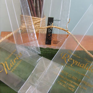 Bolsas de polipropileno con base, disponibles en 4 medidas. Bolsa de polipropileno transparente  con fuelle y base, ideal para confiterias, en las medidas :   60+40x190 mm. 80+50x240 100+60x300 140+80x350