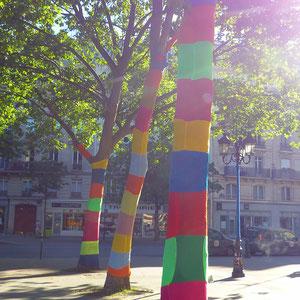 Yarn bombing (tricot urbain)