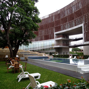 Moderner Baustil in Tuxpan (Hotel Holiday Inn)