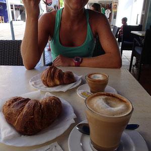 Im Anschluss, Café und…