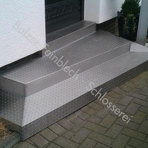 Treppenverkleidung aus Edelstahl