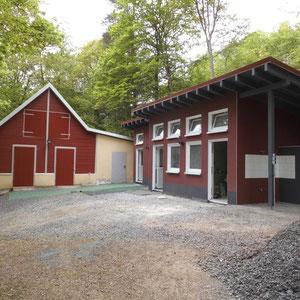 Bootshaus und Sanitärgebäude